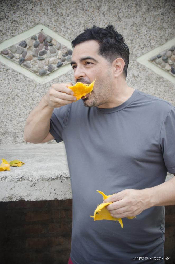 Senor Foodie in Action